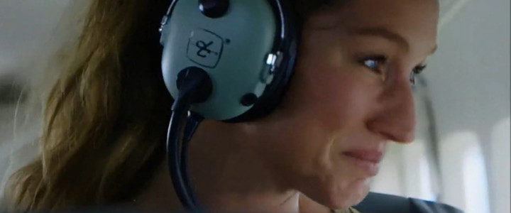 Gisele Bündchen chora ao ver o que a pecuária fez com a Floresta Amazônica